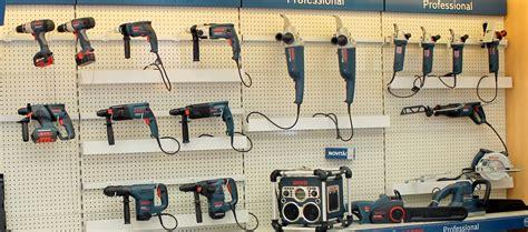 scaffali per ferramenta progettazione spazi arredo negozio scaffalature ferramenta