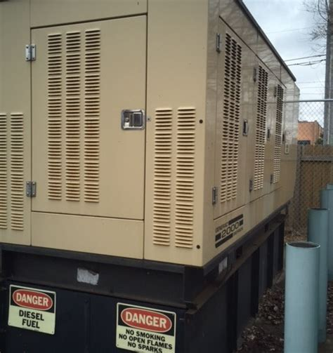 used diesel generators 250kw generac year 2000