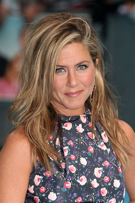 Lepaparazzi News Update Aniston Tops Hairstyles Poll by Aniston Pictures Gallery 2 Actresses