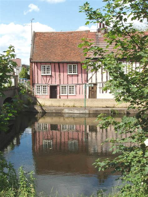 cottages by the river colne colchester