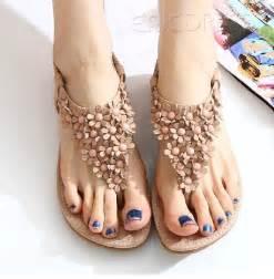 Cute bohemian pu upper flat heels women sandals with flowers flat