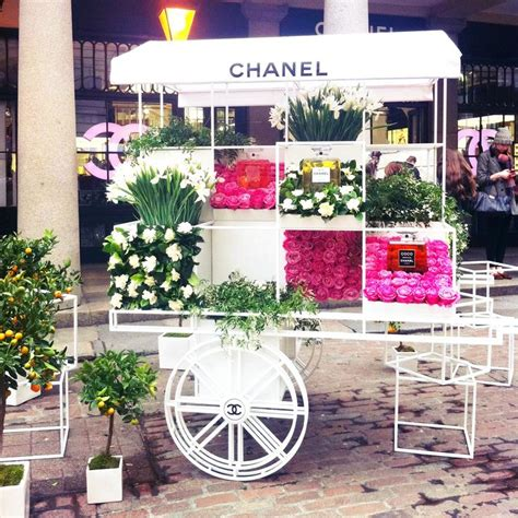 Garden Flower Cart 28 Best Images About Chanel Flowers On Wedding Events Flower Stands And Flower
