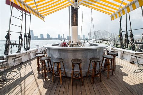 restaurant on a boat nyc grand banks an oyster bar aboard a historic ship eater ny