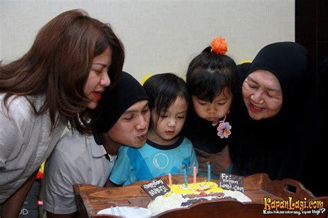 Piyama Spongebob Kuning serba kuning manji rayakan ulang tahun berkonsep