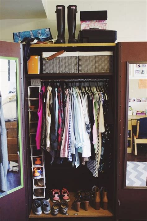 College Closet Organizers by Best 25 Room Storage Ideas On College