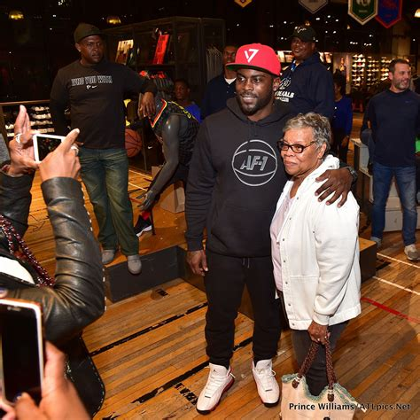 Sneaker Giveaway Contests - mike vick big boi sneaker giveaway at lenox square sandra rose