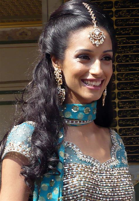 hairstyles for indian brides with long hair indian wedding hairstyles for long hair