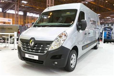 cv show 2014 renault trafic and master revealed to the