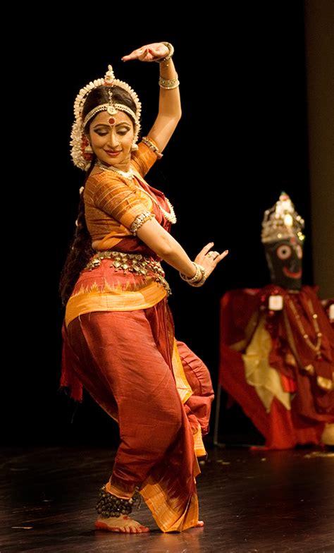 hindi dence bollywood dancing embracing india s colourful heritage