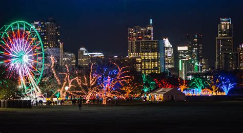 Alum Jay Watson S Enterprise Revives Lights Up Austin Tradition Of Lights
