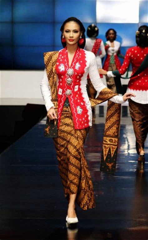 Kartini Blouse 2 kumpulan foto model baju kebaya kartini trend baju kebaya