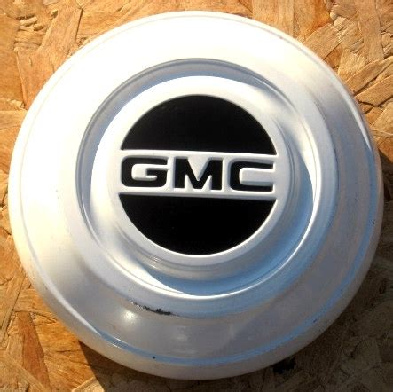 gmc hub caps 1967 gmc hubcaps autos post