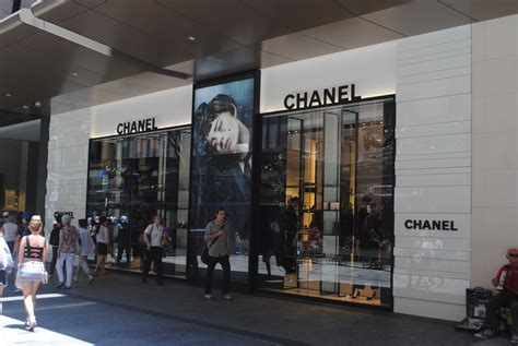 file chanel store brisbane jpg wikimedia commons