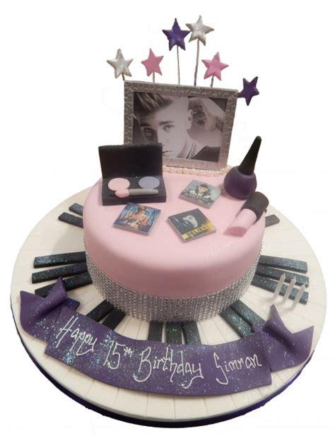 Music Makeup Cake