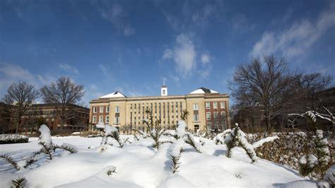snow forecast lincoln ne feb 2 winter weather closure announced nebraska today