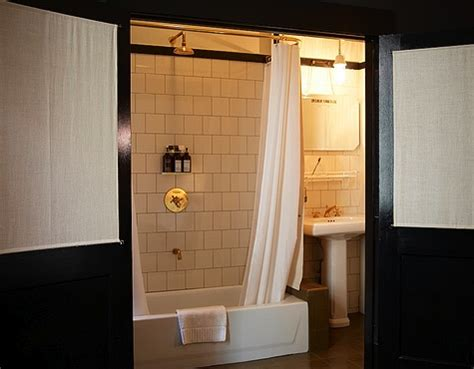 Ace Hotel Bathroom by Ace Hotel A New York Arredare Casa