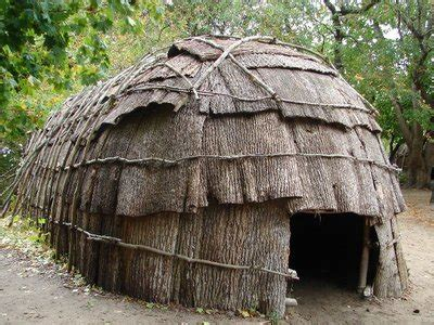 how are native american longhouses different from wigwams