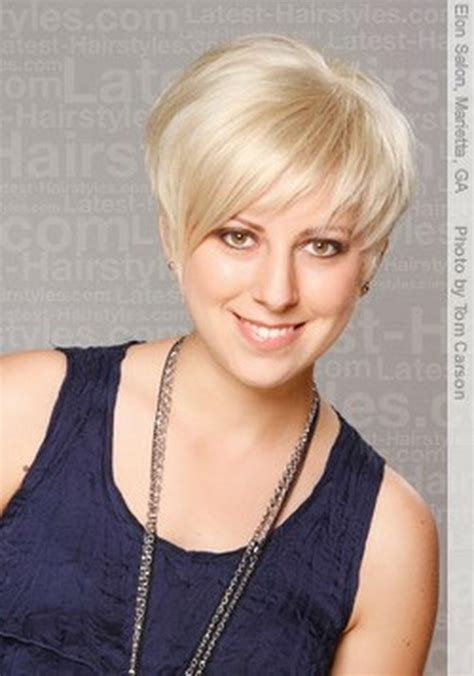 sugested hair cuts for females with jowels short haircuts with bangs for women