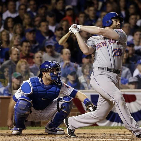 daniel murphy ties mlb record with 5th consecutive