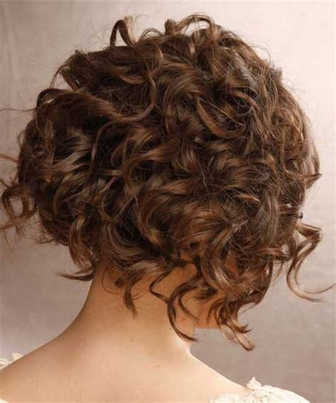 pictures of crunch hair styles best 25 curly inverted bob ideas on pinterest curly