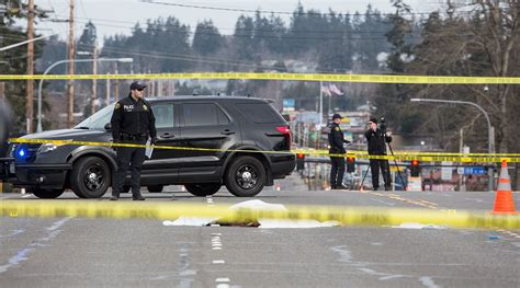 lynnwood officer fatally shoots on highway 99
