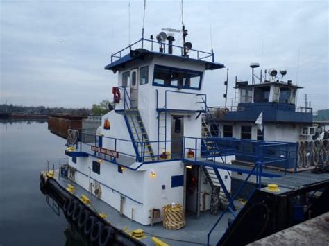 tugboat owners alabama tugboat owner must pay for 2013 oil spill cleanup