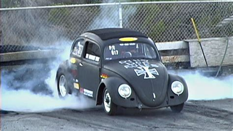 volkswagen beetle race car vw bug beats ford mustang gt street cars drag racing