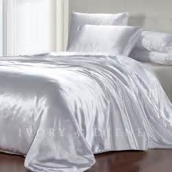 Satin Coverlet Luxury Soft Silk Feel White Satin King Size Doona Duvet
