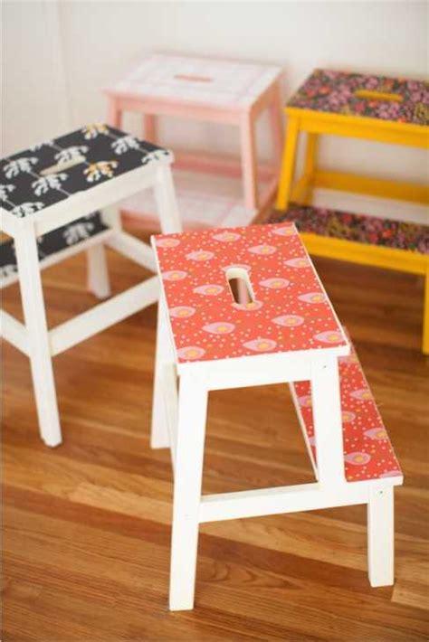 sgabelli legno ikea mobili ikea personalizzarli con decorazioni