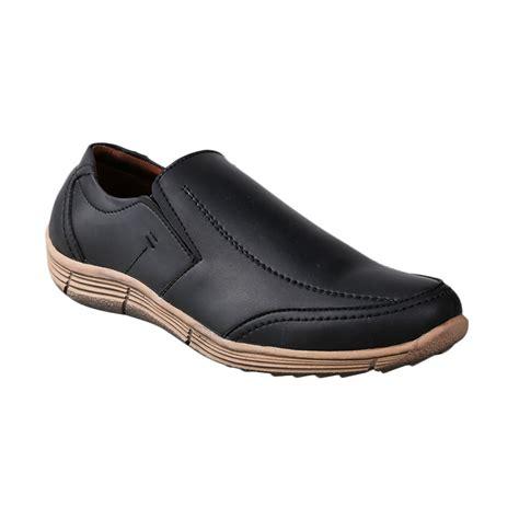 Harga Sepatu Yongki Komaladi Casual jual yongki komaladi bls 1067 l15 casual sepatu pria hitam harga kualitas terjamin