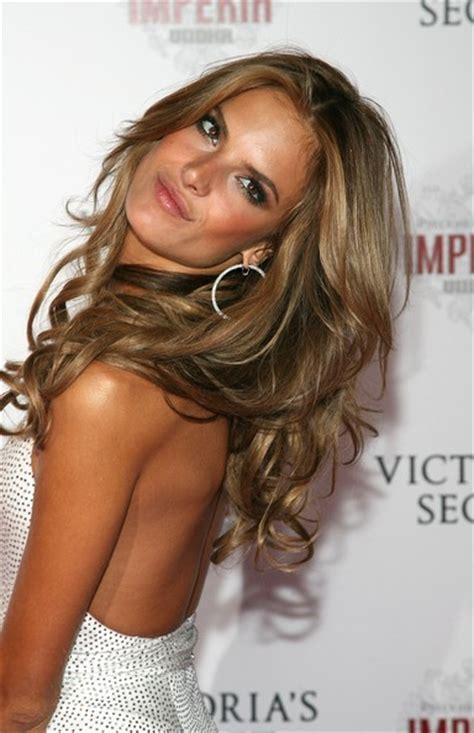 victorias secret hair cut alessandra ambrosio in victoria s secret fashion show