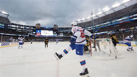 canadiens dominate 2016 winter classic with 5 1 win over