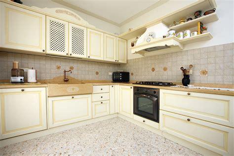 Quanto Costa Pannelli Per Coprire Piastrelle Cucina by Best Pannelli Per Rivestimento Cucina Images Home
