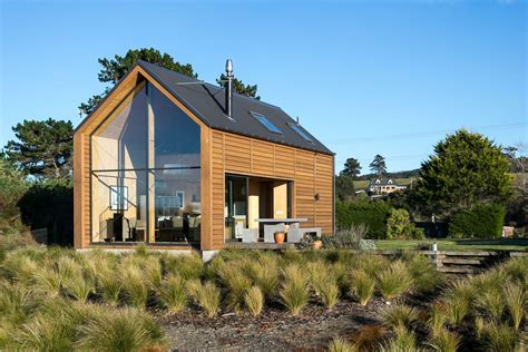 small architectural homes taieri bach and wales small house bliss