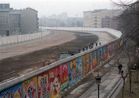 The art of the berlin wall king amp mcgaw