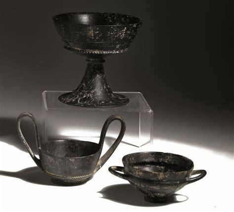 vasi di bucchero calice kylix e kantharos in bucchero archeologia