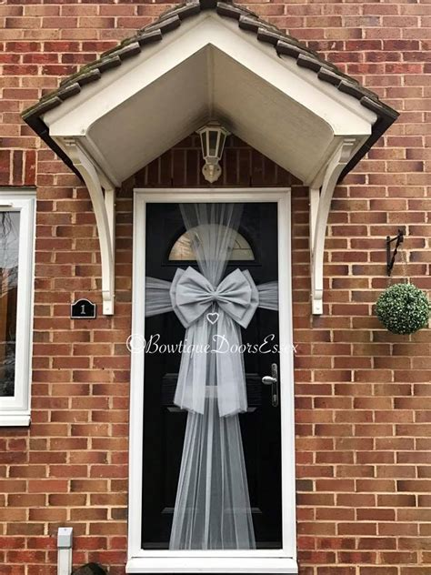 how to make a door bow for christmas balloon belles