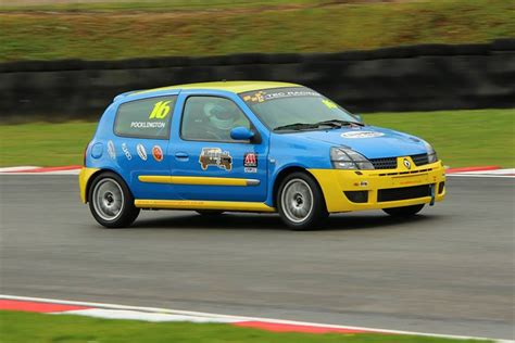 renault race cars racecarsdirect com renault clio 182 chionship race
