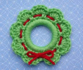 crochet for free christmas wreath ring ornament