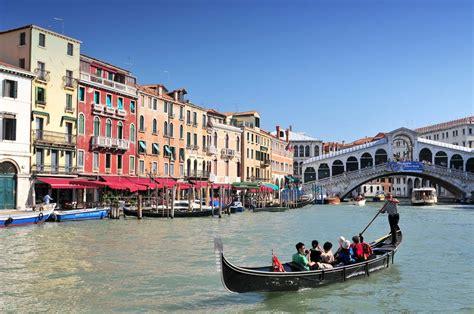 11 ciudades viajes doce ciudades con canales para recorrer en barco otra forma de moverse por el mundo foto 11