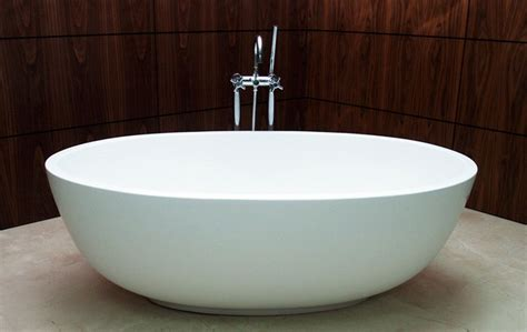 Bathtubs For Small Bathroom by Efficient Bathroom Space Saving With Narrow Bathtubs For