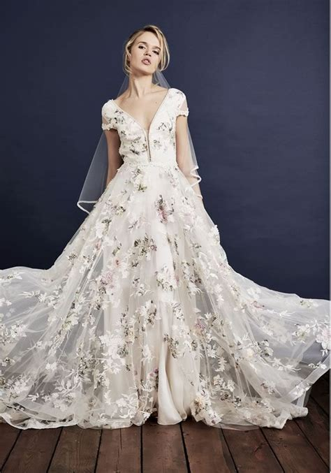 flower design wedding dresses best 25 embroidered wedding dresses ideas on pinterest