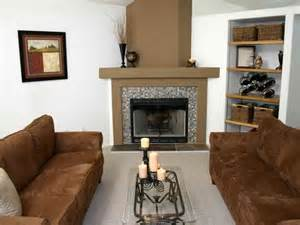 decorating small living rooms with fireplaces living room decorating easy small living room with fireplace cozy small living room with