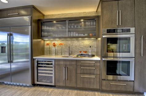 wolf kitchen cabinets wolf classic cabinets for a transitional kitchen with a