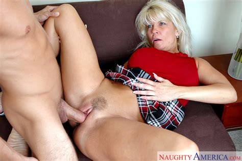 Jerrika Michaels And Kyle Moore In My Friend S Hot Mom