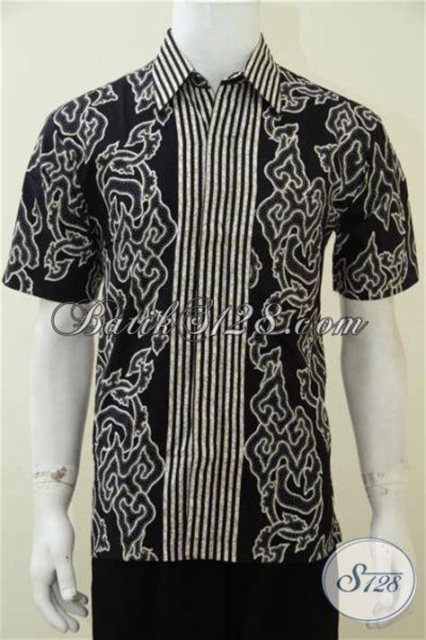 Kemeja Batik Pria Lengan Pendek Dengan Motif Mega Mendung Besar jual busana batik jawa khas dengan motif mega mendung