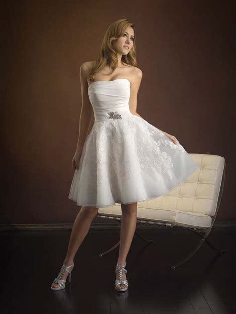 vintage strapless short wedding dress with sang maestro