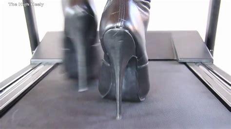 the shoe box overknees on a treadmill