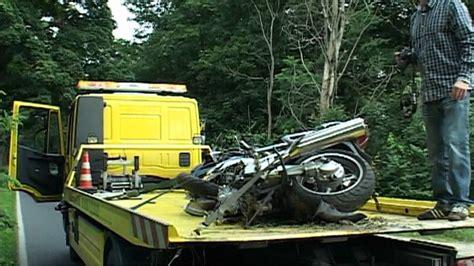 Motorrad Unfall Nürburgring by T 246 Dlicher Motorrad Unfall Bei Velten Oberhavel Youtube