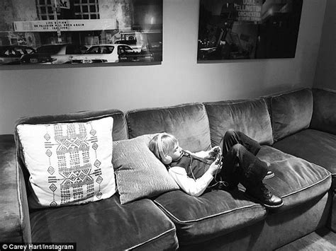 back stage couch pink delivers powerful speech at mtv vmas daily mail online